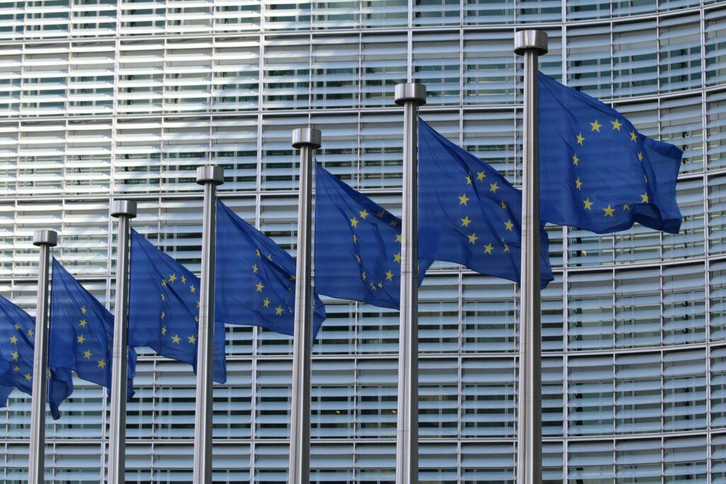 UE doará mais 200 milhões de vacinas a países pobres