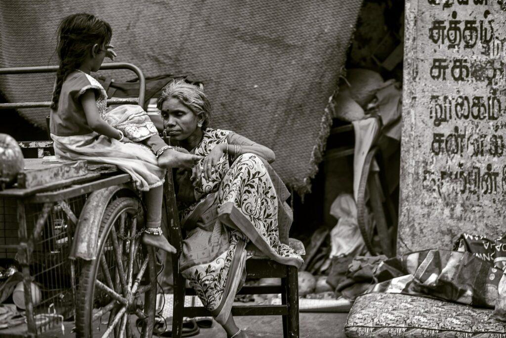 SUPRIR A CARÊNCIA OU MORTE: a epidemia social de tuberculose no Brasil