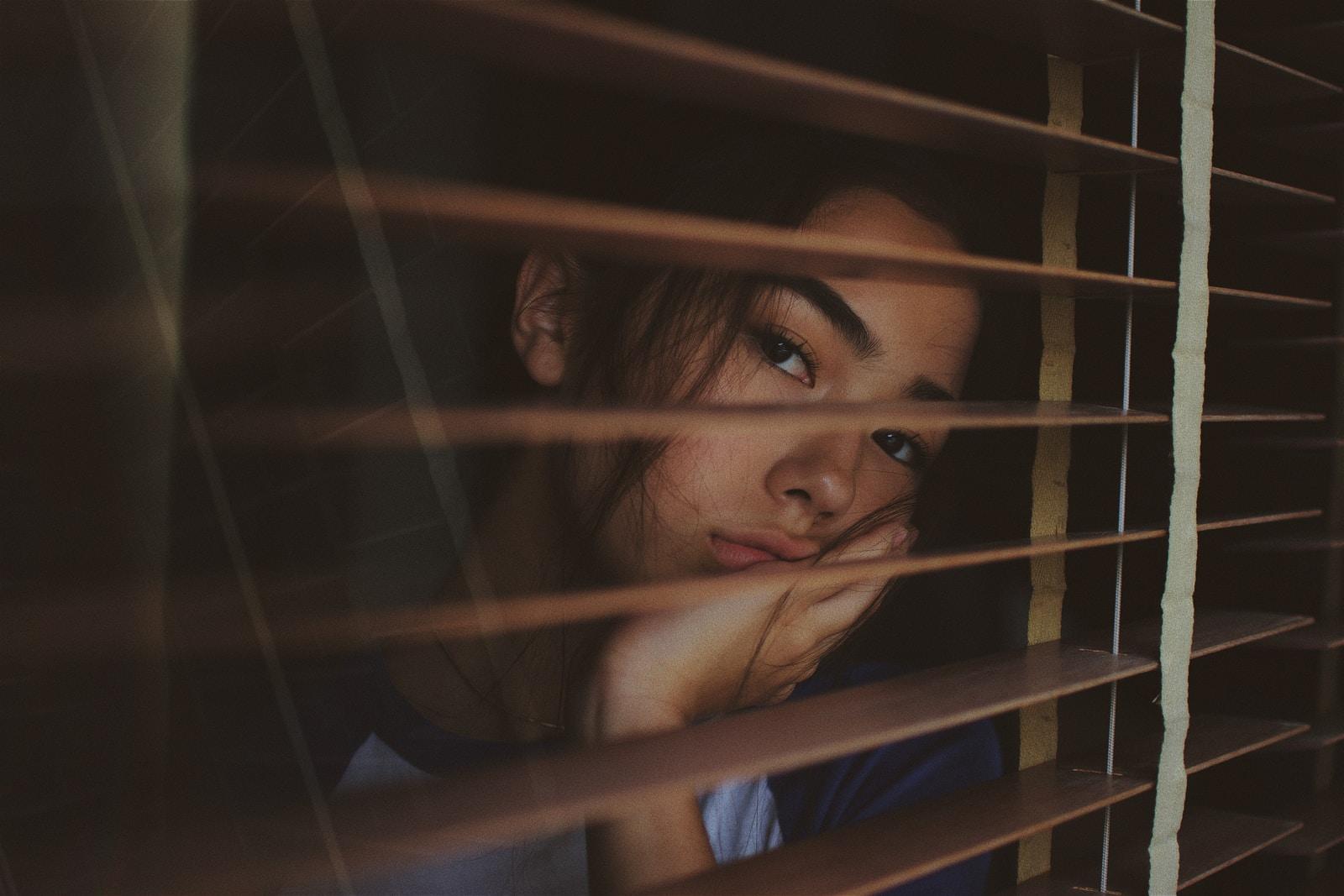 Questão de gênero: indicadores de saúde mental são piores para as meninas
